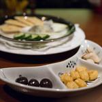 オールドパル - チャームとチーズ盛り合わせ