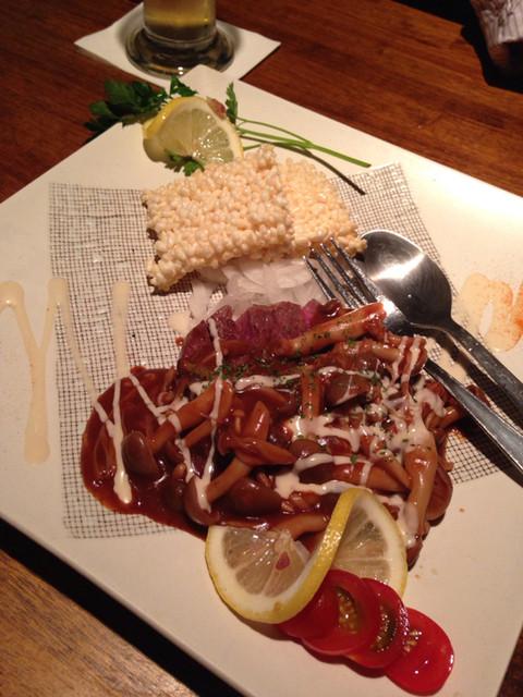 一二三家 - 牛ヒレステーキと中華おこげ 木野子ブラウンソース。