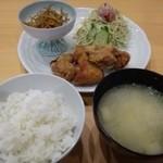 まるちゃんごはん - 料理写真:鶏からあげ定食(780円)