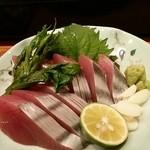 旬菜屋 まえの - 土佐沖かつお(皮付き)