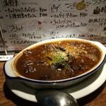 ビストロ シバ - 牛すじの赤ワイン煮込み¥980