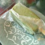 石田長栄堂 - 抹茶もちもち 150円。ひんやり冷たいスイーツです