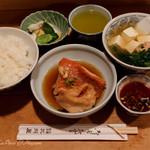大衆割烹 三州屋 - 金目鯛煮付定食