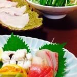 割烹 たけだ - 志布志特産の貴重な生きた旬の鱧を料理した日本料理の鱧コース。絶品です!その日入荷した鱧に合う創作料理で最高に美味しいです!何と言っても新鮮な鱧しゃぶしゃぶは絶品です