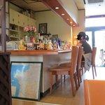 サロン デ サン - 店の奥のカウンター