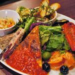 熟成肉バル レッドキングコング 橋本 - 前菜盛り合わせがボリュームたっぷりで美味しい〜♪
