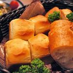 熟成肉バル レッドキングコング 橋本 - コースメニューで頼んだらパンおかわり自由で幸せ(^q^)
