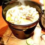 芦屋炭火キッチン MACHIYA - 淡路産焼きアナゴの湯豆腐