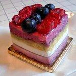 4019199 - カシスのケーキ。