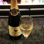 シャンパン食堂の洋食屋さん - ランチタイムは、シャンパン500円!!