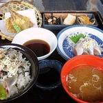 密漁船 - 料理写真:いわし三兄弟 1400円 (''b