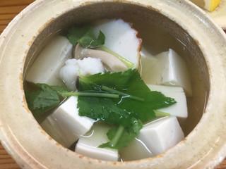 奴ずし  - 湯豆腐