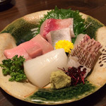 魚正 - お造り盛り合わせ★鯛が特に美味!