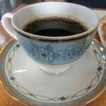 カフェドふくむら - ドリンク写真:ホット珈琲(420円)。おかわりは半額だそうですよ。