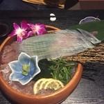一凜 - イカの活き造り  中サイズ¥3500円