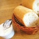 40204841 - 燻製バターとバゲット(ランチ)