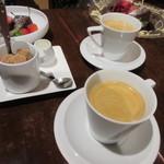 Le un - 最期にホットコーヒーをいただいて妻の誕生日ディナーは終了させていただきました。