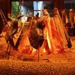 原始焼 六番町 魚鷹 - 魚鷹の心温まる暖炉