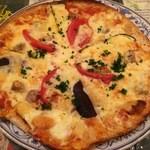AUREOLE - サルシッチャとモッツァレラとナスのピッツァ