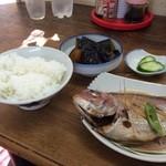 しみず食堂 - それぞれ単品を取り、自分オリジナルの朝定食です、1200円也(2015.7.24)