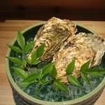 大人の隠れ家和食 ひより - 岩牡蛎にも負けない大きさ!