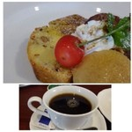 オステリア エ バール ラ ルーチェ - デザート・・ケーキ2種とキャラメルアイス。