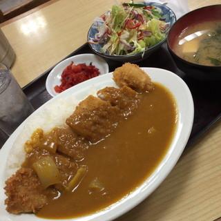 動坂食堂 - カツカレー(900円)2015年7月