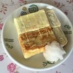 ぐっちーずキッチンサロン - 料理写真:厚焼き卵1本に卵5、6個使用との事。ボリューム満点です。