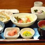 shunsaishuzakanamikan - お昼の和定食800円造り、豚肉天ぷらおろしあんかけ、フルーツトマト豆腐サラダ