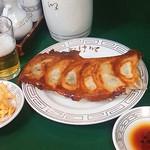 40225546 - 餃子とビール