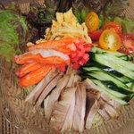 551蓬莱 - 暑くて食欲がない時は、こういうさっぱりしたのが 食べやすいよね~タレはもう少し甘酸っぱい方が好みだけど、 美味しかったです♪