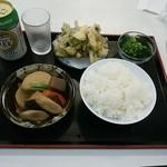ザ・ごはんやさん - 野菜かき揚げ、ブロッコリー、野菜の煮しめ、白ご飯中、ノンアルコールビール