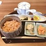 GREEN TEA RESTAURANT 1899 - モーニングメニューの、出汁が命のお茶漬け。ご飯は、富山県産こしひかりの茶飯。