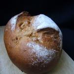 パン工房 コロネ - 胡桃と無花果のカンパーニュ
