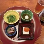 40234048 - 今月のおすすめ弁当                       「紀州うめ鶏陶板焼き弁当」2,400円(税抜き)の前菜。