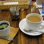 カフェやさしいちから。 - 葡萄のプリン、コーヒー