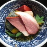 にほのうみ - 鴨ロース、赤こんにゃく、野菜の炊き合わせ