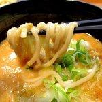 鐵 - 絡み過ぎるくらい絡む味噌スープ!