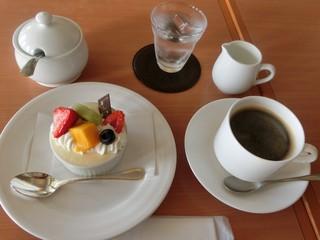 カフェ&ベーカリー カテリーナ - ケーキセット♪