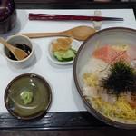 旬楽 さわ田 - 料理写真:海鮮丼