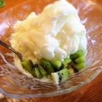Seaside CAFE 散歩道 - かき氷もオシャレ、柚子味さっぱり美味しい♪