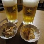 武鳥 - 生ビール_510円、お通しは大根とちくわの煮物