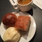 40249307 - パン、スープ
