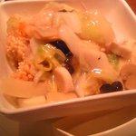 華 - おこげの餡かけ。海鮮たっぷりでめっちゃ美味しい。