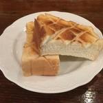 くらもち珈琲 - 厚焼きトースト