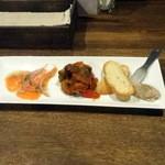 オンウェル - 料理写真:おまかせ三種盛り1,000円+税