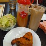 NIMTA - オマケチキン、サラダ、チャイ