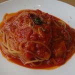 アンティパスタ - にんにくのトマトソースパスタ