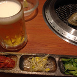 焼肉やまと - 前菜と生ビール