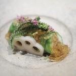 霞庭 まつばら - 料理写真:毛がにのレタス包み
